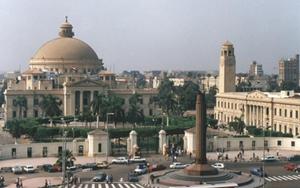رئيس جامعة القاهرة: إحالة طبيب بـ