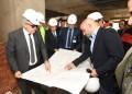 رئيس جامعة القاهرة يقوم بجولة بمعهد الأورام ويتابع أعمال تطوير المبنى الجنوبي