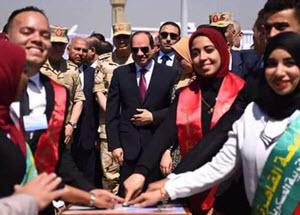 طلاب جامعة القاهرة يشاركون في افتتاح محور روض الفرج